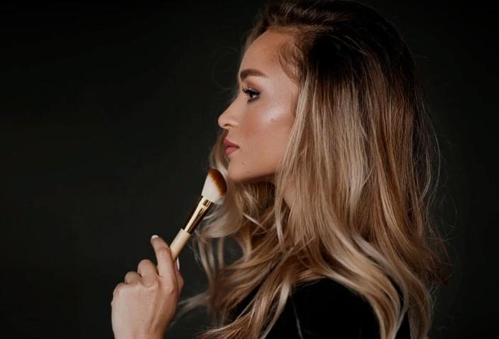 Салон WOOW! — окращивание и перманетный макияж