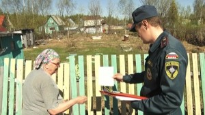 Сотрудники МЧС и полиции проводят профилактические рейды в дачных поселках