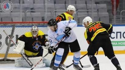 «Ледокол» вновь завоевал серебро «Ночной хоккейной лиги»