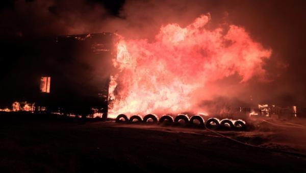 Два пенсионера погибли во время ночного пожара в островной части Архангельска