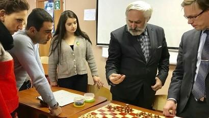 Архангелогородцев приглашают на бесплатный мастер-класс по шашкам рэндзю
