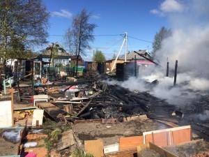 Многодетную семью в Новодвинске после пожара сразу же обеспечили резервным жильём
