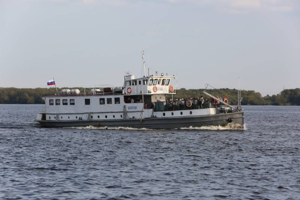 В Архангельске после шторма возобновили движение пассажирских теплоходов