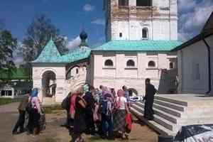 Православные семьи Архангельска потрудились в Антониево-Сийском монастыре