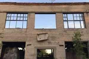 Подросток упал со второго этажа, делая селфи в Архангельске