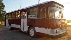 «Мог пойти на металлолом»: в Архангельске из старого ЛиАЗа сделали кафе