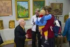 В Коряжемском выставочном зале КДЦ открылась юбилейная выставка нашего местного художника Валентина Гошева