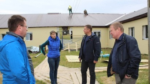 Представители правительства региона проверили ход ремонта соцобъектов в Ленском районе