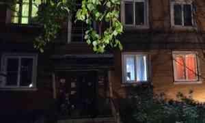 В Соломбале дом сошёл со свай