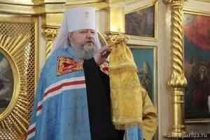 Митрополит Корнилий совершил первую Литургию в Архангельске