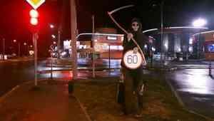 Напугавший архангелогородцев «смертельный» дорожный знак исчез, не простояв и суток