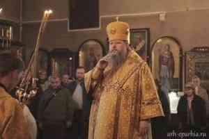 Митрополит Корнилий совершил Литургию в Никольском храме Архангельска