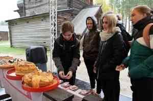 В «Малых Корелах» выбрали самый красивый каравай на «Празднике Хлеба»