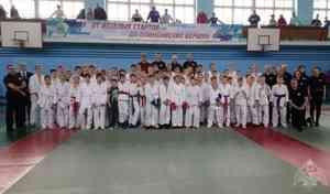 В Новодвинске Архангельской области офицеры Росгвардии стали почётными гостями турнира по рукопашному бою