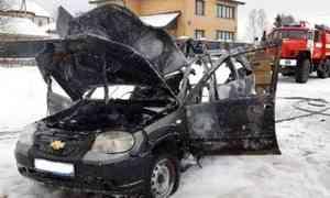 ВВельске влегковом автомобиле взорвался газовый баллон