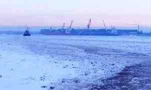 На Северной Двине буксиры столкнулись с аномальными льдами