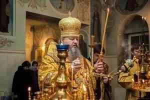 Митрополит Корнилий совершил всенощное бдение в Ильинском соборе Архангельска