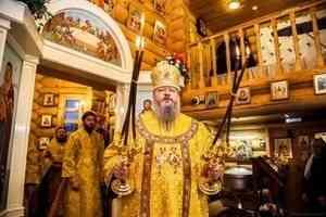 Митрополит Корнилий совершил Литургию в храме святой Матроны в Архангельске