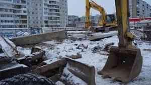 Причина падения крана в Архангельске – погодные условия