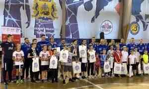 Клуб «Северная Двина» провёл мастер-класс итурнир помини-футболу для подопечных благотворительного фонда «Взамен»