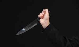 В Емецке мужчина напал с ножом на посетителя кафе