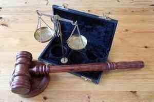 В Архангельске осудил родителей, снимавших своих детей в порно
