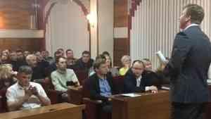 «Я подробностей не знаю»: глава Вельского района поговорил с экоактивистами о полигоне под Кулоем