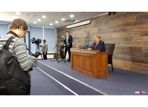 Что там с Шиесом и когда уходите? Игорь Орлов отвечает на вопросы журналистов в прямом эфире 29.RU