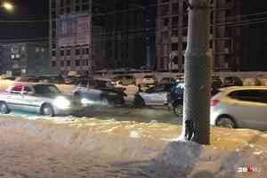 «Пострадал водитель»: у торгового комплекса в Архангельске произошло ДТП