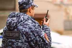 В Северодвинске наряд Росгвардии задержал подозреваемого в нанесении побоев администратору бара