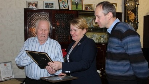 Труженик тыла, ветеран труда Федор Вакорин отметил 90-летний юбилей
