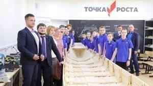 Юные корабелы освоили азы плотницкого мастерства и построили традиционную поморскую лодку