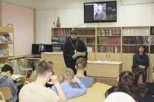 Священник Александр Лашков провел в северодвинском детском доме «Беломорец» литературный вечер, посвященный Ивану Бунину