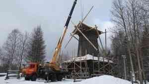 На известной музейной мельнице восстанавливают крылья