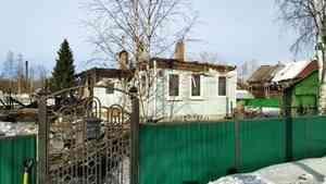 В Архангельске сгорел частный дом на двух владельцев