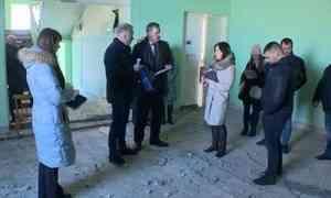 Сегодня глава города Архангельска Игорь Годзиш посетил здание 77 школы