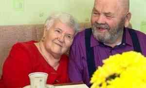 Бриллиантовую свадьбу сегодня отмечают жители Исакогорского округа Архангельска
