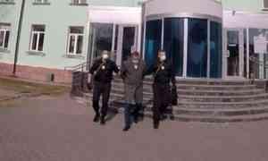 ВКотласе пресекли факт получения крупной взятки должностным лицом