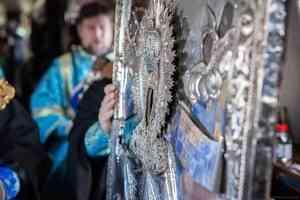 Митрополит Корнилий совершил крестный ход на самолёте над Архангельской областью