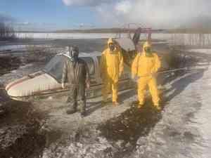 Костюмы как у Путина: как из Холмогор в Архангельск эвакуировали семью с подозрением на коронавирус
