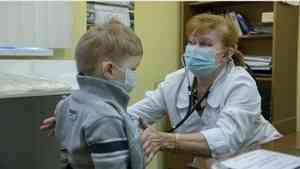 Выросла доля россиян, считающих действия власти и медиков по борьбе с кроновирусом правильными