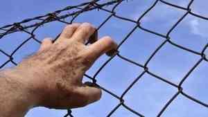 Осужденные за нетяжкие преступления могут выйти на свободу из-за COVID-19
