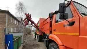 В Архангельске современные мусоровозы вышли на новые маршруты