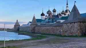 Завершающим аккордом архангельского вояжа Артемия Лебедева стало посещение Соловков