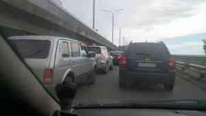Первый день закрытия жд-моста в Архангельске обернулся большими пробками