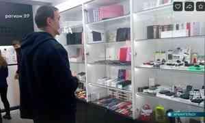 ВАрхангельске таможенники проверили магазин, торгующий смартфонами, наналичие контрафакта
