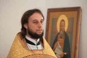 Пинежский священник благодарит всех, кто пожертвовал деньги на восстановление храма после урагана