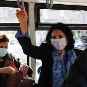 Большинство заболевших коронавирусом в Архангельске заразились в общественных местах