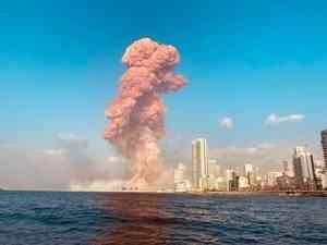На город будто упала бомба: в Бейруте прогремел мощный взрыв, сотни людей ранены