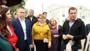 Жители Каргополя рассказали главе региона о насущных проблемах города